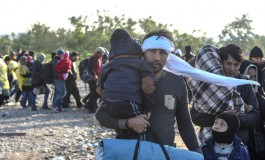 Migrants Keep Coming to Greece despite Bad Weather