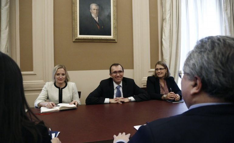 Eide after meeting with Kotzias: Cyprus problem would have been