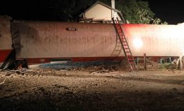 2 DEAD AS TRAIN DERAILS NEAR THESSALONIKI