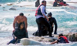 Stories of 2015: The Heroism of a Greek Soldier Who Pulled Refugees from the Sea