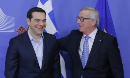 Juncker to Tsipras: 'You're doing a good job with the refugee crisis'