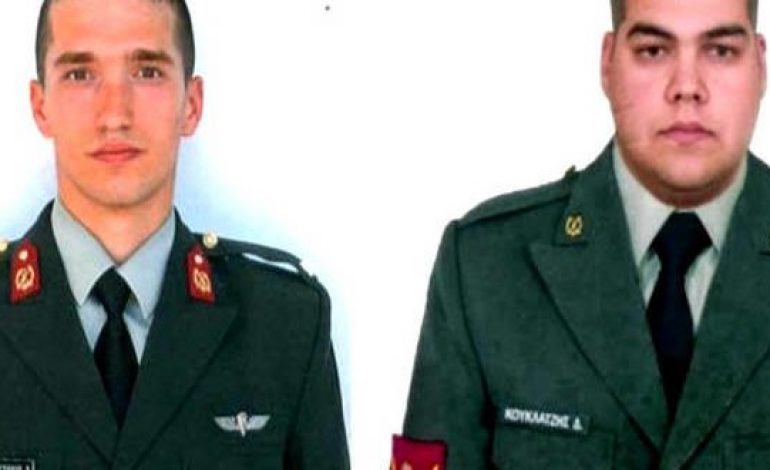 Greek military officers remained imprisoned in Turkey