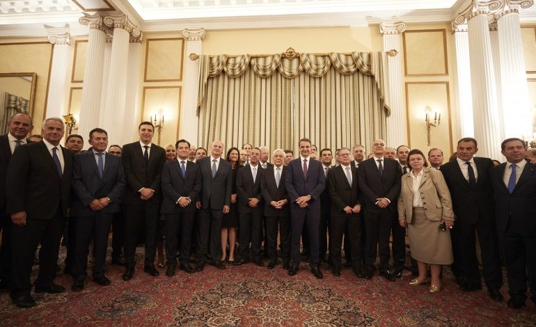 New Greek government sworn in on Tuesday
