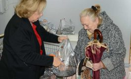 Hellenic Relief Foundation Distributes 350 Packages to Needy in Athens, Greece