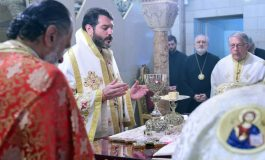 Confusion in the Direct Archdiocesan District on the mode of the distribution of the Holy Communion
