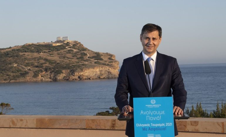 Theoharis: Everything will go well this year – Greece is officially open to international visitors, hopping to gain half the revenues of 2019